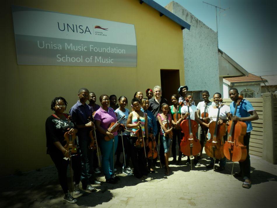 Soshanguve Orchestra Musicians and Fernando Fracassi